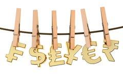 Fileira de símbolos de moeda na corda com pinos, lavagem de dinheiro concentrada ilustração royalty free