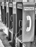 Fileira de telefones públicos Fotos de Stock Royalty Free