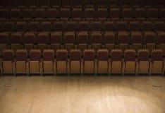 Fileira dos assentos no filarmónico Foto de Stock