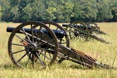 Fileira dos canhões Fotos de Stock Royalty Free