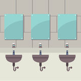 Fileira dos lavabos com espelhos Fotos de Stock Royalty Free