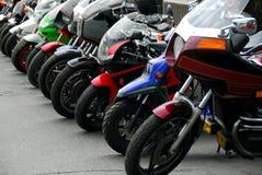 Fileira dos motocycles Fotos de Stock