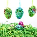 Ovos da páscoa brilhantes coloridos fotos de stock