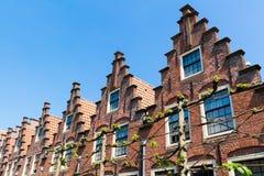 A fileira pisou frontões em Haarlem, Países Baixos Imagem de Stock Royalty Free