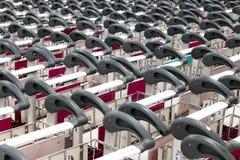 Fileiras de carros vazios Foto de Stock Royalty Free