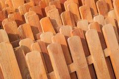 Fileiras de cercas de madeira Fotografia de Stock