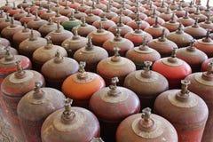 Fileiras do cilindro de gás Imagens de Stock
