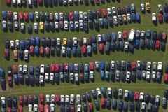 Fileiras do parque de estacionamento Imagens de Stock Royalty Free