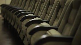 Fileiras vazias do teatro, da sala de concertos ou dos assentos do filme filme
