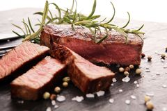 Filet de barbecue Biftecks noirs de viande d'Angus Prime images libres de droits