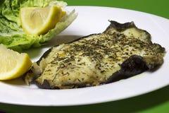 Filet de poissons cuisiné et frit de plie image stock