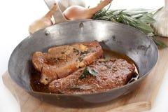 Filet de porc mariné avec des épices Photos libres de droits