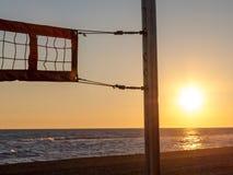 Filet de volleyball sur la plage Photos libres de droits