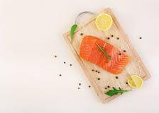 Filet des poissons rouges Filet saumoné frais Vue supérieure Image stock