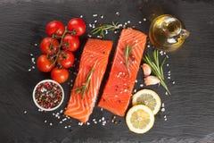 Filet saumoné cru photos stock