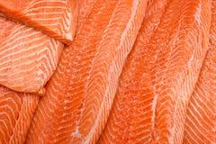 Filet saumoné frais sur la glace photographie stock libre de droits
