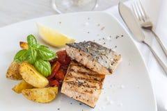 Filet saumoné grillé Images libres de droits