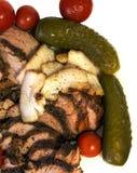 Filete de carne de vaca ahumado cortado con el primer adobado de las verduras Foto de archivo