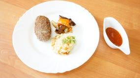 Filete de carne de vaca con arroz Imagen de archivo libre de regalías