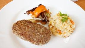 Filete de carne de vaca con arroz Fotografía de archivo libre de regalías