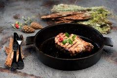 Filete de carne de vaca asado a la parrilla del prendedero Imagen de archivo
