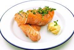 Filete de color salmón con mantequilla de hierba Imagen de archivo