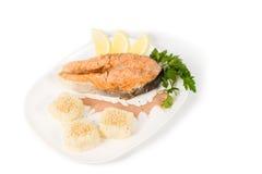 Filete de color salmón fresco sabroso asado a la parrilla Imágenes de archivo libres de regalías