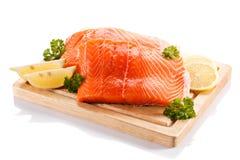 Filete de color salmón sin procesar fresco Fotos de archivo libres de regalías