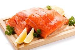Filete de color salmón sin procesar fresco Fotos de archivo