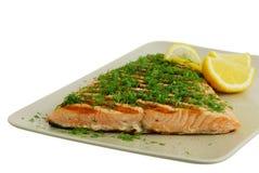 Filete de pescados de color salmón asado a la parilla Fotografía de archivo
