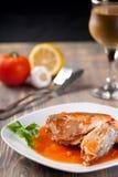 Filete de pescados y de la salsa roja Fotografía de archivo libre de regalías