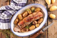 Filetmignon och potatis fotografering för bildbyråer