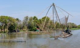 Filets en rivière de tributaire vers le lac sap de Tonle image stock