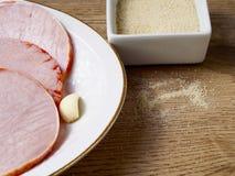 Filets marinés dans un plat Image stock