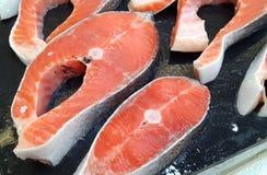 Filets saumonés frais Images libres de droits