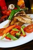 Filetto di pesce con la verdura Immagini Stock Libere da Diritti