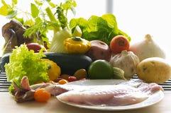 Filetto di pesce ed ingredienti Fotografia Stock Libera da Diritti