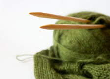 Filetto ed ago di lavoro a maglia Fotografia Stock