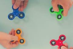 Fileur de personne remuante, jouet de détente populaire, conception générique Image stock