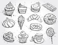 Filhós e café ajustados tirados mão do bolo do gelado do marshmallow dos doces do queque do croissant dos confeitos Fotos de Stock Royalty Free