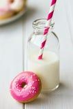 Filhós e leite Fotografia de Stock