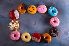 Filhóses doces no fundo de pedra cinzento Imagens de Stock