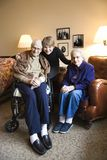 Filha com matriz e o pai idosos. Imagens de Stock Royalty Free