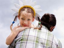 Filha pequena com o paizinho Fotografia de Stock
