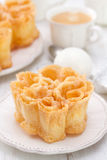 Filhos portugais typiques de dessert du plat blanc Image libre de droits