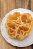 Filhos portugais typiques de dessert du plat blanc Photo stock
