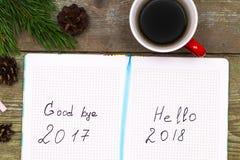 Filiżanek kawy bożych narodzeń jedlinowy drzewo z rożkami i notatnik z l Obraz Stock