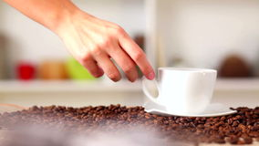 Filiżanka świeża gorąca kawa zbiory wideo