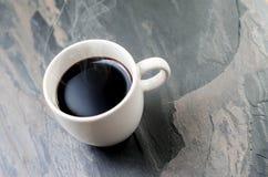 Filiżanka świeża kawa zdjęcia royalty free