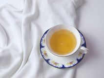 Filiżanka herbata w białej porcelanowej filiżance Obrazy Royalty Free